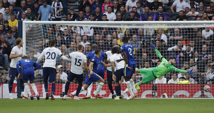 Tottenham thua tan tác sân nhà, Chelsea lên đỉnh bảng Ngoại hạng Anh - Ảnh 4.