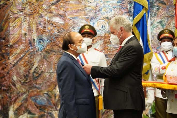 Chủ tịch nước Nguyễn Xuân Phúc được trao Huân chương José Marti cao quý nhất của Cuba - Ảnh 6.