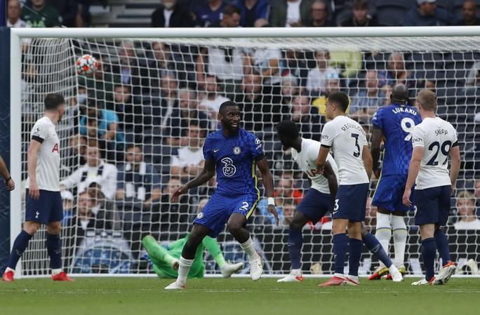 Tottenham thua tan tác sân nhà, Chelsea lên đỉnh bảng Ngoại hạng Anh - Ảnh 7.
