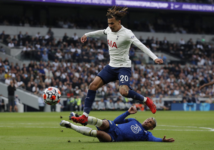 Tottenham thua tan tác sân nhà, Chelsea lên đỉnh bảng Ngoại hạng Anh - Ảnh 2.
