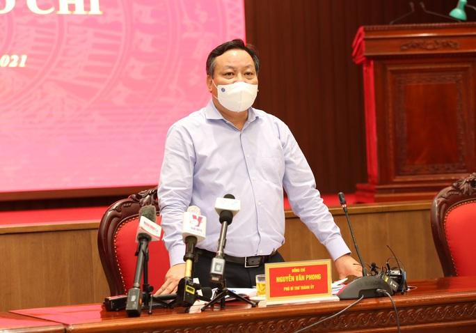 Phó Bí thư Hà Nội lý giải vì sao TP chưa trở lại trạng thái bình thường mới? - Ảnh 2.