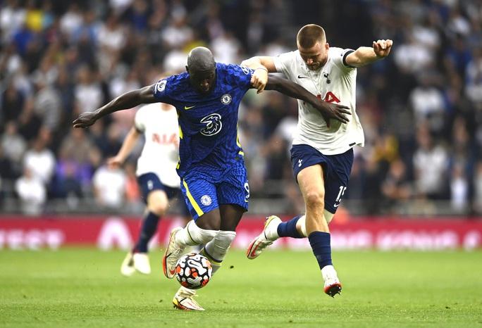 Tottenham thua tan tác sân nhà, Chelsea lên đỉnh bảng Ngoại hạng Anh - Ảnh 1.
