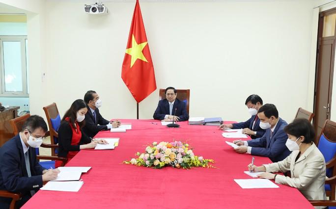 Thủ tướng đề nghị COVAX phân bổ nhanh số lượng vắc-xin đã cam kết cho Việt Nam - Ảnh 1.