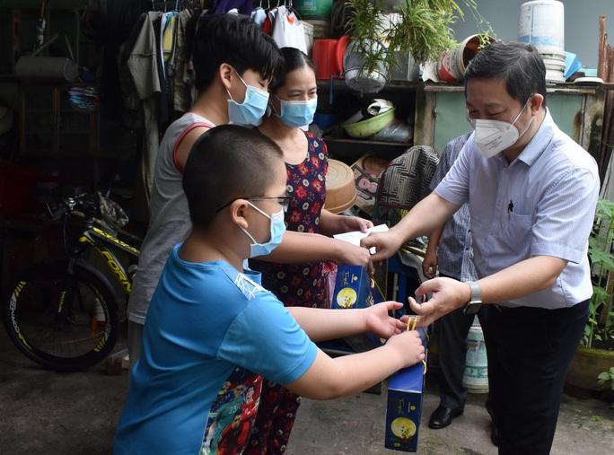 TP HCM: Tất cả hoạt động thiện nguyện dành cho trẻ mồ côi do Covid-19 phải thông qua địa phương - Ảnh 1.
