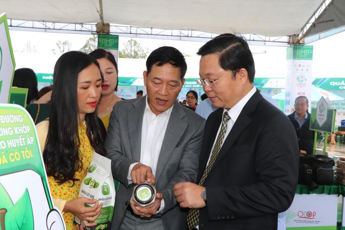 Quảng Nam mua sản phẩm OCOP làm quà tặng: Mũi tên trúng nhiều đích - Ảnh 1.