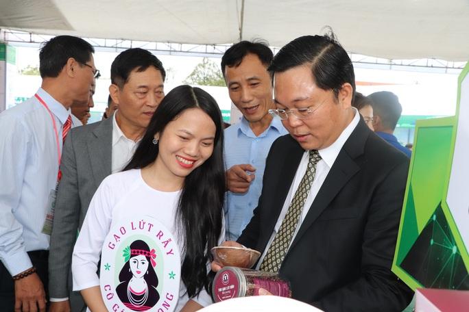 Quảng Nam mua sản phẩm OCOP làm quà tặng: Mũi tên trúng nhiều đích - Ảnh 2.
