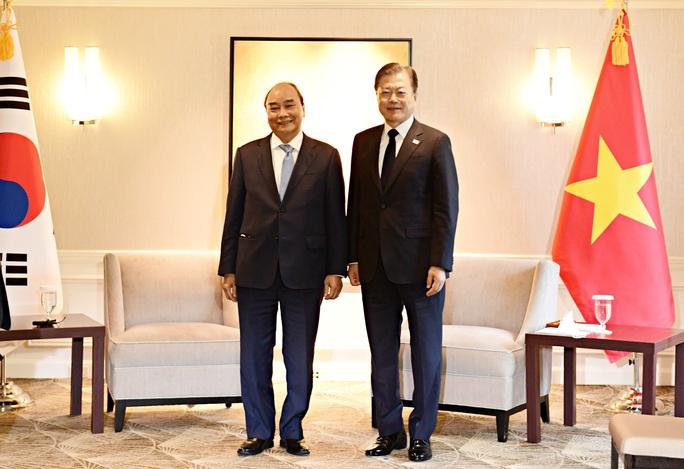 Gặp Chủ tịch nước, Tổng thống Hàn Quốc tuyên bố hỗ trợ Việt Nam 1 triệu liều vắc-xin - Ảnh 2.