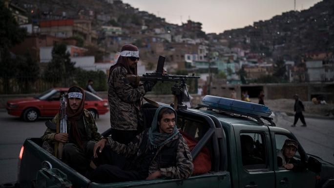 Taliban liên tục bị tấn công ngay tại Afghanistan - Ảnh 1.