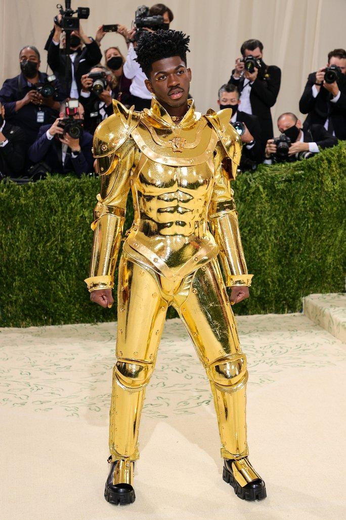 Nhà thiết kế Việt thu hút sự chú ý của rapper Mỹ Lil Nas X - Ảnh 1.