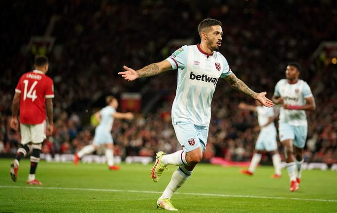 Báo chí Anh chê cười Man United sau cú sốc bị loại ở vòng 3 League Cup - Ảnh 3.