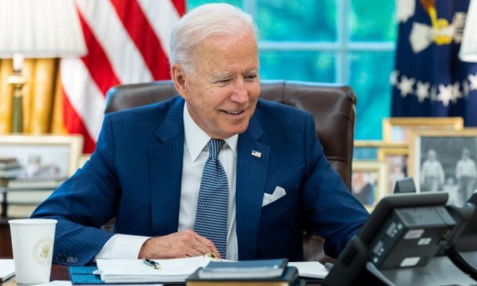 Tổng thống Biden xuống nước, Pháp đáp lễ - Ảnh 1.
