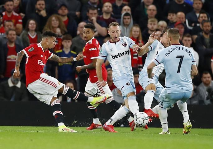 Báo chí Anh chê cười Man United sau cú sốc bị loại ở vòng 3 League Cup - Ảnh 7.