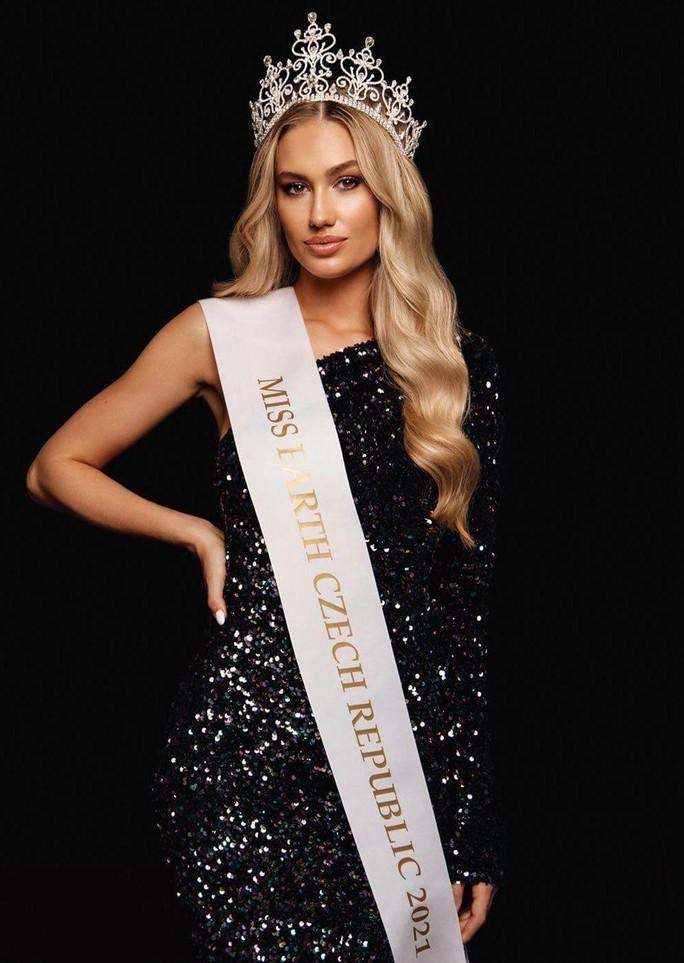 Nhan sắc cô giáo là tân Hoa hậu Trái đất Cộng hòa Czech - Ảnh 1.