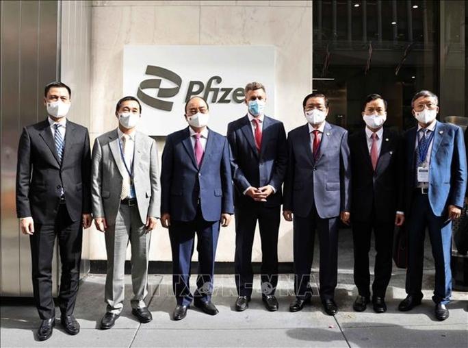 Chủ tịch nước Nguyễn Xuân Phúc đề nghị Pfizer giao sớm nhất vắc-xin cho trẻ em - Ảnh 1.