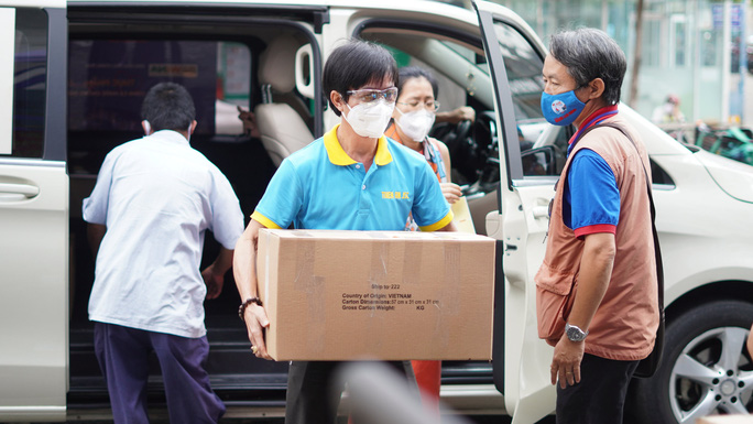 Mang tin vui đến Bệnh viện Chấn thương Chỉnh hình TP HCM - Ảnh 2.