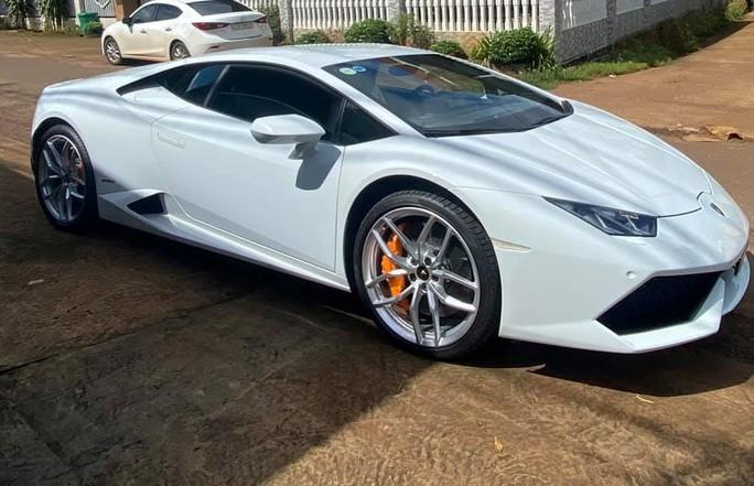 Chàng trai dân huyện ở Đắk Lắk mua siêu xe Lamborghini - Ảnh 2.
