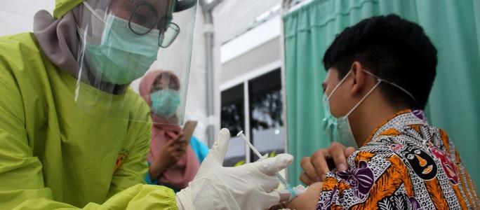 Ngoại giao vắc-xin Đông Nam Á sang trang - Ảnh 1.