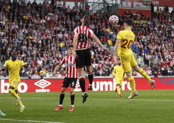 Rượt đuổi tỉ số điên cuồng, Liverpool suýt sụp đổ  - Ảnh 3.