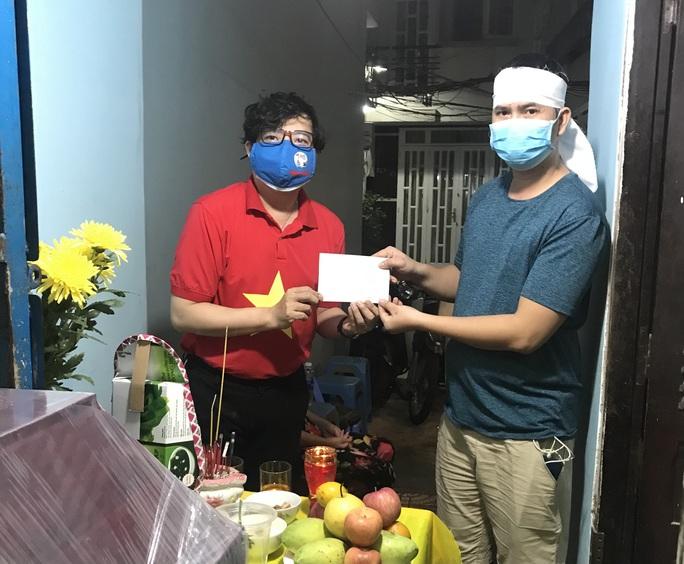 Chương trình Mai Vàng nhân ái viếng cố nghệ sĩ Lâm Hùng - Ảnh 1.