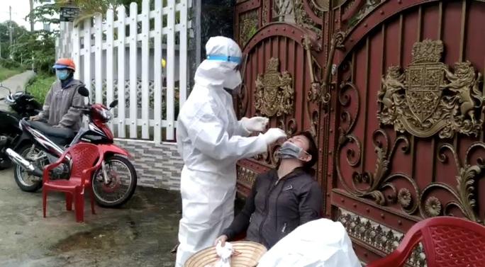 Huy động 177 người hỗ trợ Phú Quốc tiêm vắc-xin phòng Covid-19 - Ảnh 1.