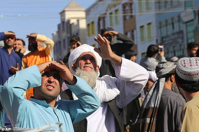 """Màn """"thị chúng"""" khiếp sợ của Taliban - Ảnh 2."""