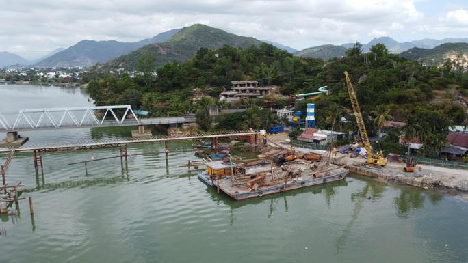 Gỡ vướng cho dự án hạ tầng Nam Sông Cái - Nha Trang - Ảnh 1.