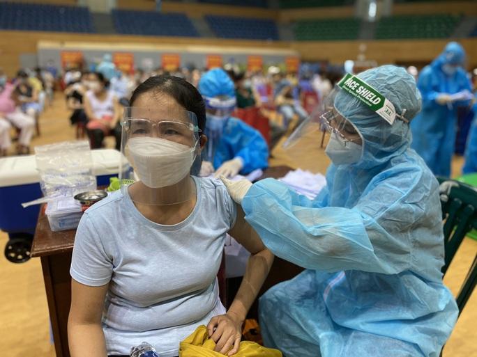 Đà Nẵng: Dùng QR Code tích hợp thông tin tiêm vắc-xin Covid-19 - Ảnh 1.