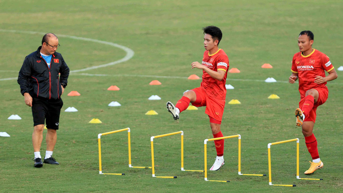 HLV Park Hang-seo nhận hung tin trước trận đấu với đội tuyển Trung Quốc - Ảnh 2.