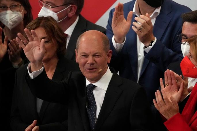 Bầu cử Đức: Liên đảng thua đau, bà Merkel lãnh đạo thêm vài tháng? - Ảnh 1.