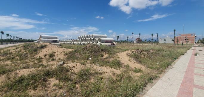 Bắt giam nữ doanh nhân Ngô Thị Điều trong vụ mua - bán sỉ 262 lô đất ở Phú Yên - Ảnh 2.