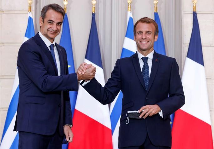 Bán tàu chiến cho Hy Lạp, tổng thống Pháp chưa hết chua chát - Ảnh 1.