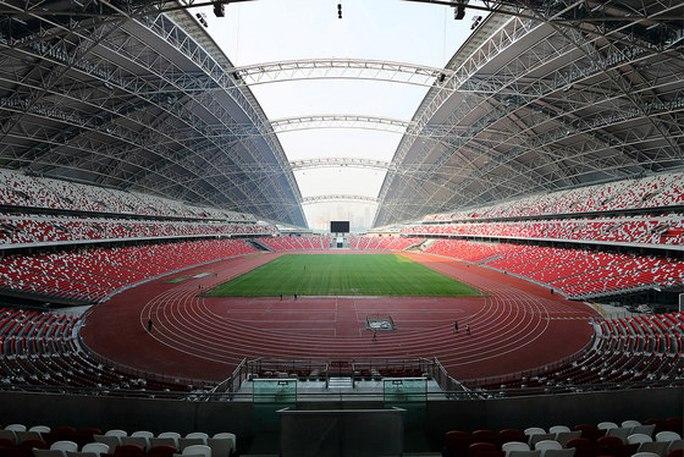 Singapore đăng cai AFF Cup, nỗi lo sân cỏ nhân tạo cho tuyển Việt Nam - Ảnh 1.