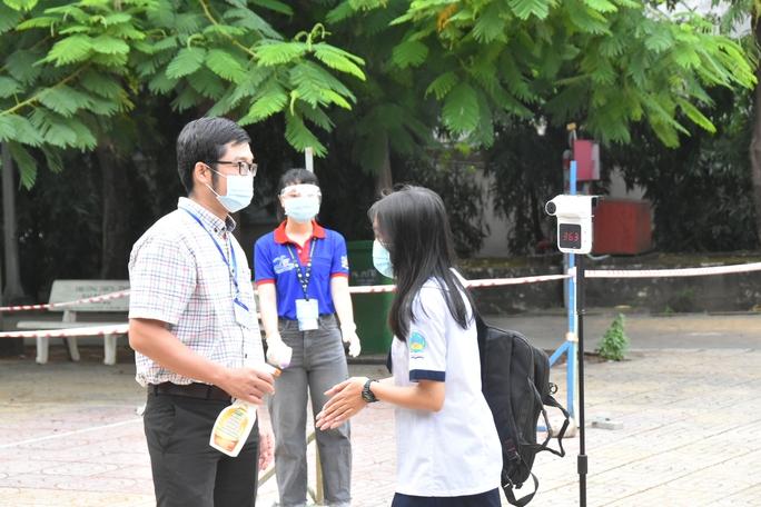 TP HCM: Không vội đón học sinh trở lại trường - Ảnh 1.