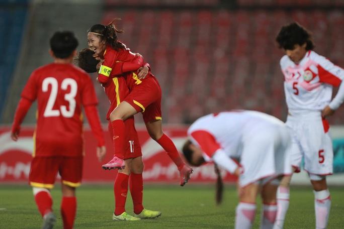Đè bẹp Tajikistan 7-0, Việt Nam giành suất dự VCK AFC Women's Asian Cup 2022 - Ảnh 2.