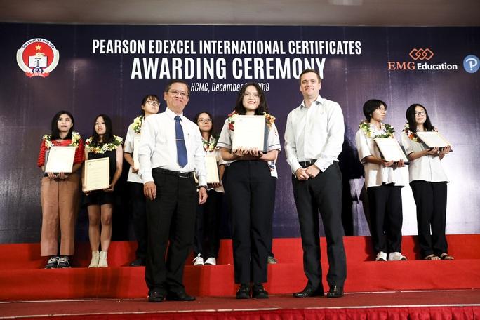 Học sinh Tiếng Anh tích hợp lấy chứng chỉ Tú tài quốc tế đạt kết quả cao - Ảnh 2.