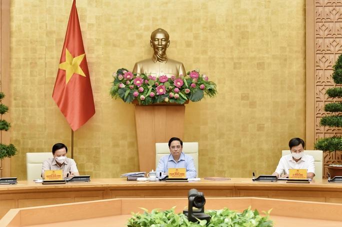Thủ tướng họp trực tuyến với hơn 9.000 điểm cầu để chỉ đạo chống dịch Covid-19 - Ảnh 1.