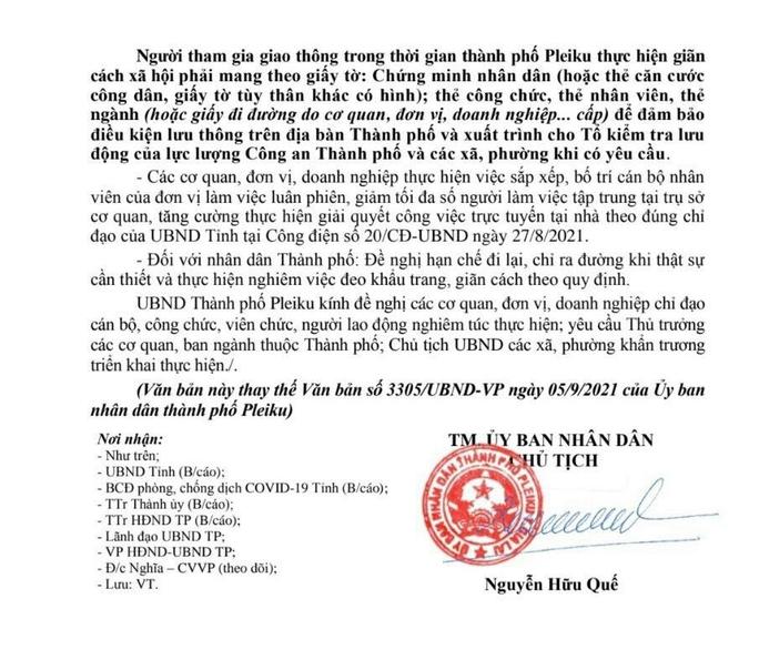 TP Pleiku ra văn bản hỏa tốc sau khi người phụ nữ đi chợ không mang CMND bị xử phạt - Ảnh 2.