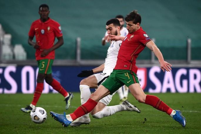 Vòng loại World Cup 2022: Bồ Đào Nha mơ nhất bảng, Pháp lung lay ngôi đầu - Ảnh 2.
