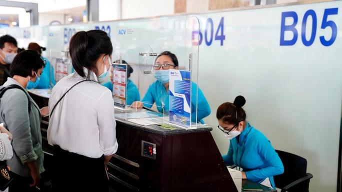 Bộ GTVT lên tiếng về đề xuất áp sàn giá vé máy bay từ tháng 11 - Ảnh 1.