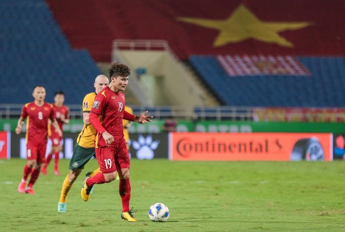 HLV Park Hang-seo nói gì về tình huống bị VAR từ chối quả penalty - Ảnh 14.