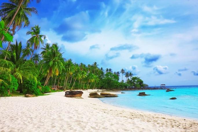 Thí điểm đón khách quốc tế đến Phú Quốc, mở rộng đến Hạ Long, Hội An, Nha Trang - Ảnh 1.