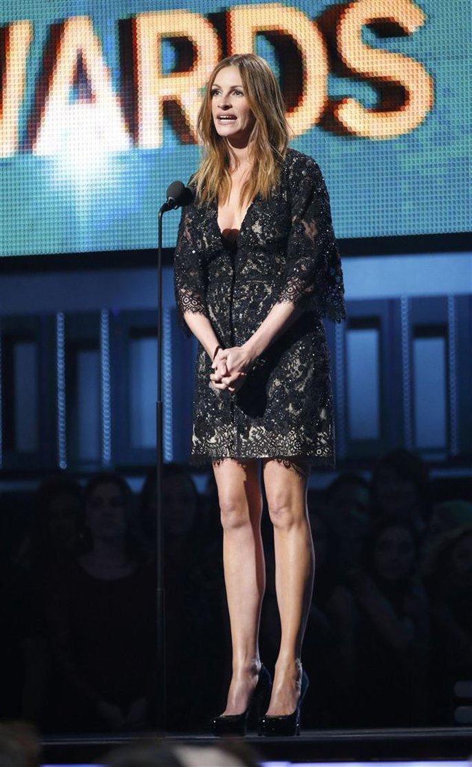 Người đàn bà đẹp Julia Roberts giới thiệu tiết mục của 2 cựu thành viên The Beatles