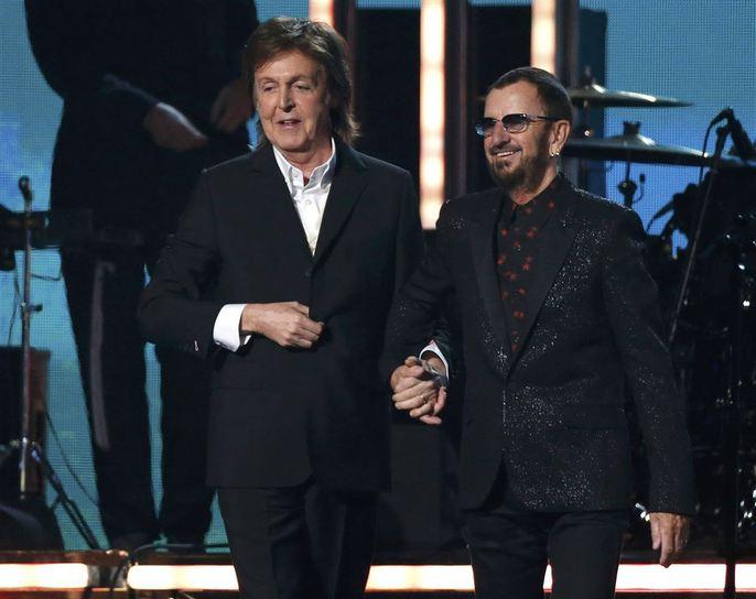 Paul McCartney và Ringo Starr hội ngộ trên sân khấu Grammy