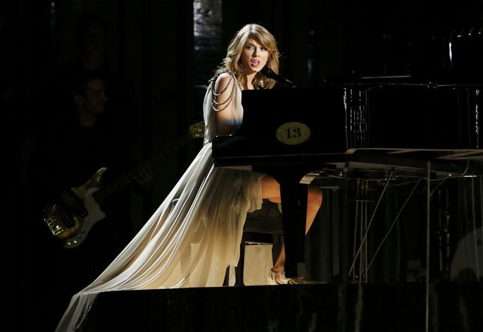 "Taylor Swift, Katy Perry ""trắng tay"" tại Giải Grammy 2014"