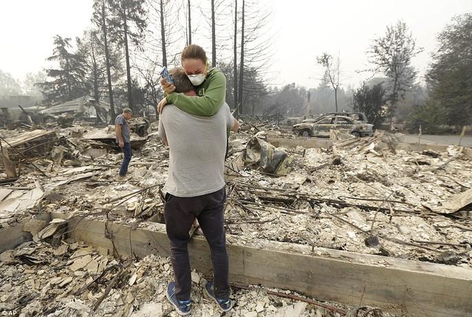 Cháy rừng ở California: Cứ như bị tấn công hạt nhân - Ảnh 8.