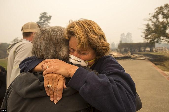 Cháy rừng ở California: Cứ như bị tấn công hạt nhân - Ảnh 7.