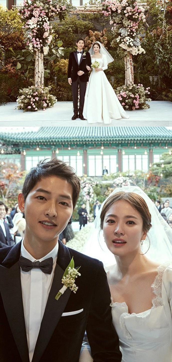 Song Hye Kyo và Song Joong Ki khoe ảnh cưới - Ảnh 1.