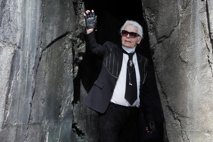 Thác nước lung linh trong sô thời trang Chanel - Ảnh 23.