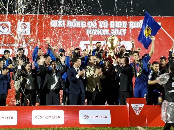 Quảng Nam mở hội trong ngày lên ngôi vương V-League - Ảnh 10.