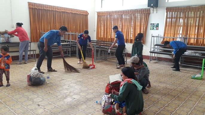 Người dân nô nức trở về nhà khi bão số 16 (Tembin) không vào miền Tây - Ảnh 16.